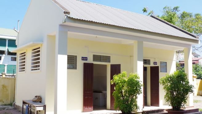school toilet building in vinh vietnam